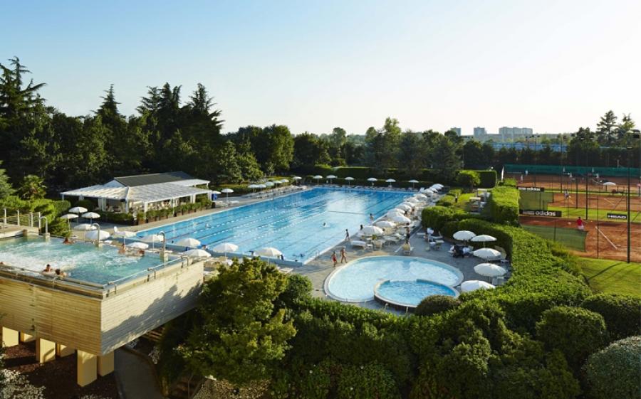 """Gesti Bianchi"" è il torneo di tennis in stile anni '20 all'Aspria Harbour Club di Milano"