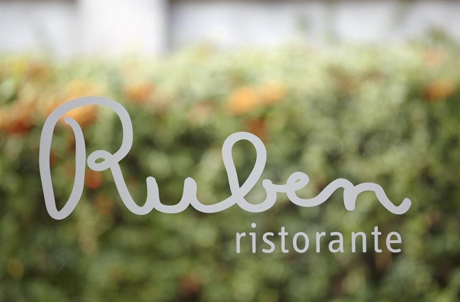 Ristorante solidale Ruben: a Milano si cena con un euro