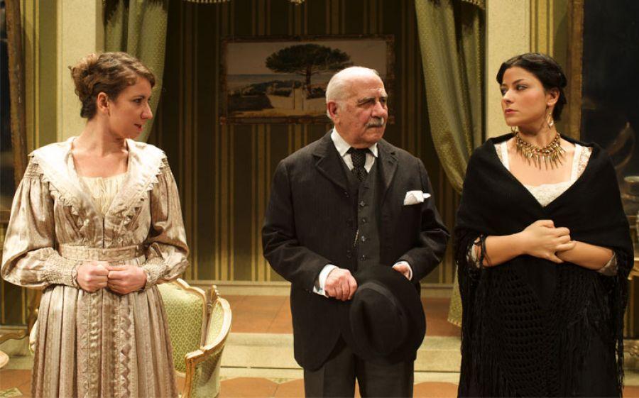 """Luigi De Filippo interpreta """"Il Berretto a sonagli"""" di Pirandello/Eduardo"""