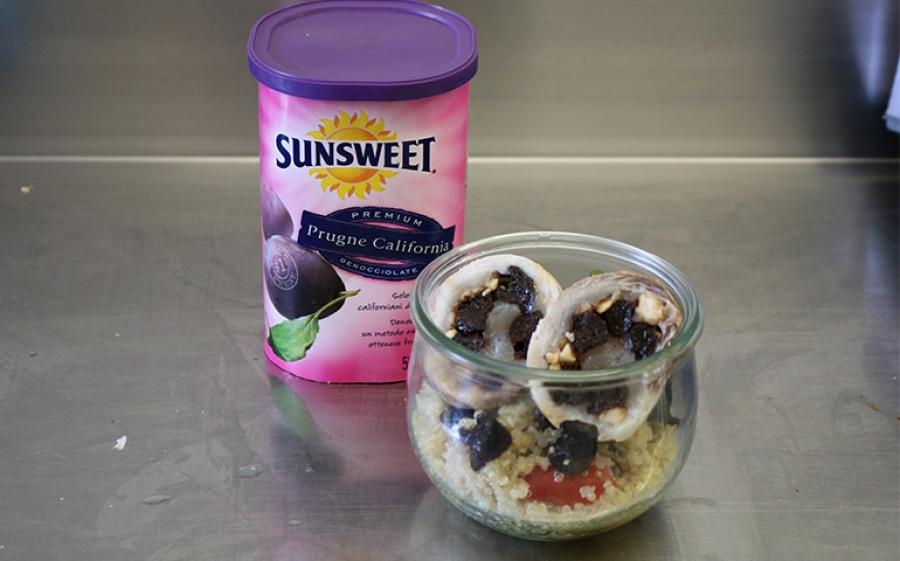 Lorenzo Secondi in esclusiva per Sunsweet: insalata di quinoa con ricciola ripiena di prugne Sunsweet e nocciole tritate