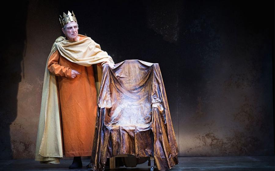 Carlo Cecchi è Enrico IV ph. Matteo Delbo