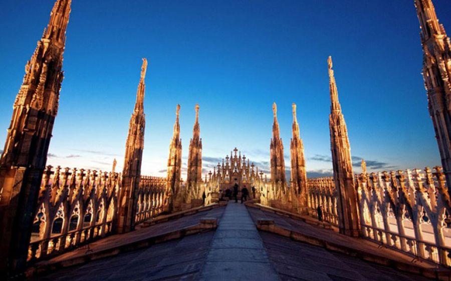 Pattini in alto alla Highline Galleria di Milano