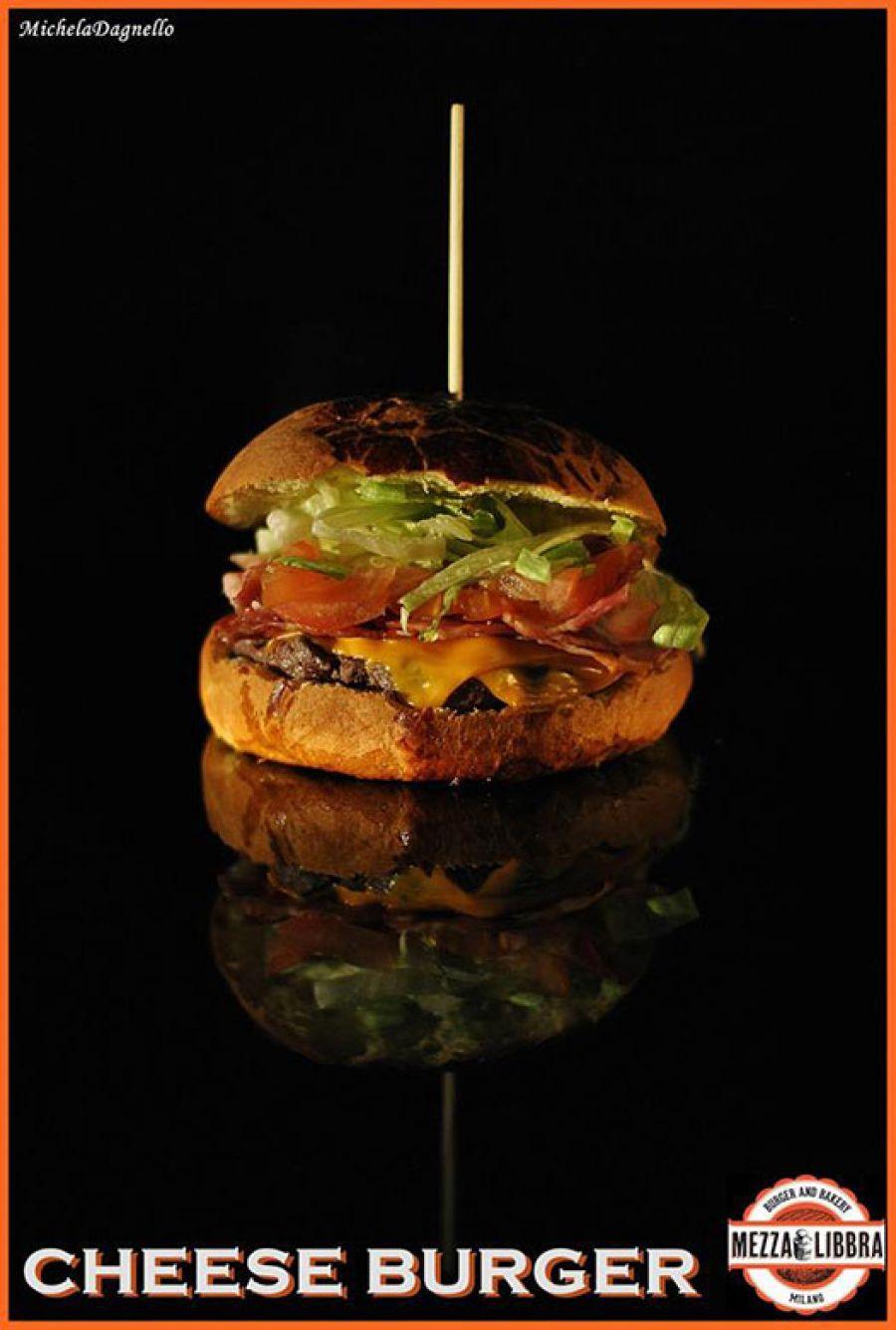 Mezzalibbra Burger & Bakery a Milano