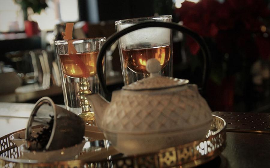 A Monza cocktail e tè di pregio si uniscono al Liquors