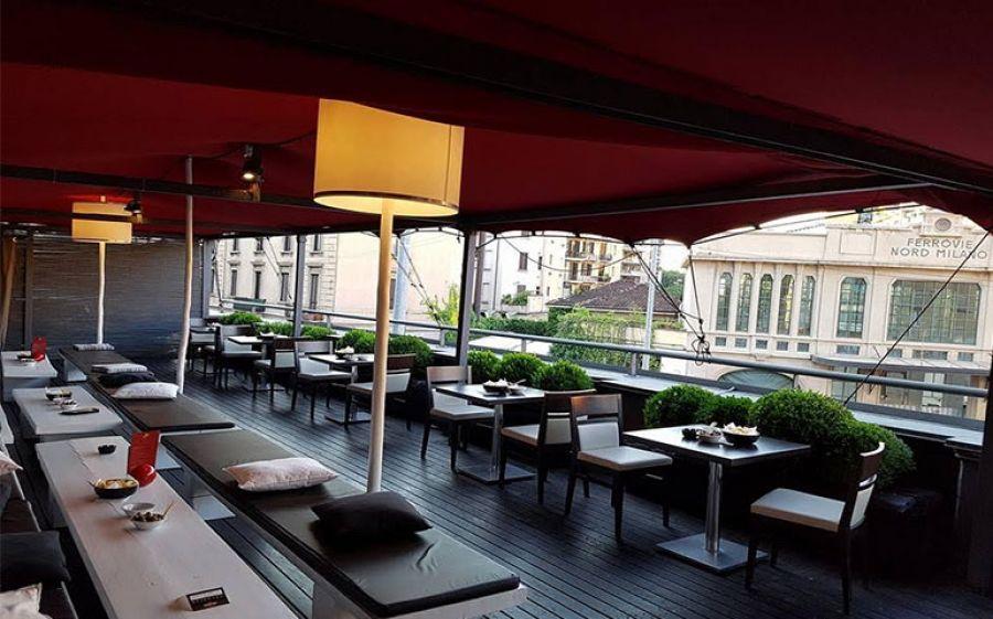 La Terrazza profumata e colorata del 55 Milano