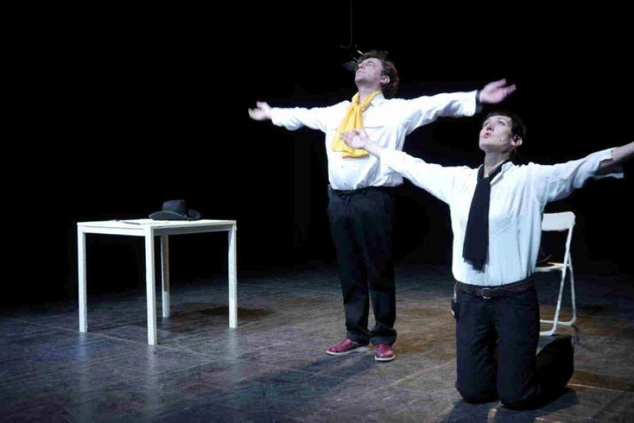 La rassegna teatrale Scena Franca prosegue con L'Aperitivo
