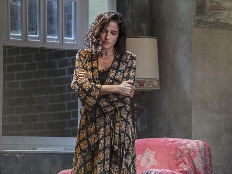 The deep blue sea: Luisa Ranieri torna nei panni della protagonista Hester