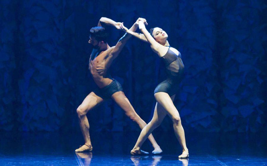 Futura-Ballando con Lucio, l'omaggio del Balletto di Roma a Lucio Dalla al Teatro Carcano di Milano