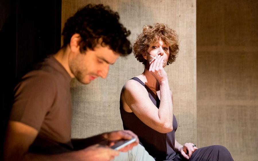 """""""Senza glutine"""": la commedia di e con Giuseppe Tantillo in scena al Teatro Filodrammatici"""