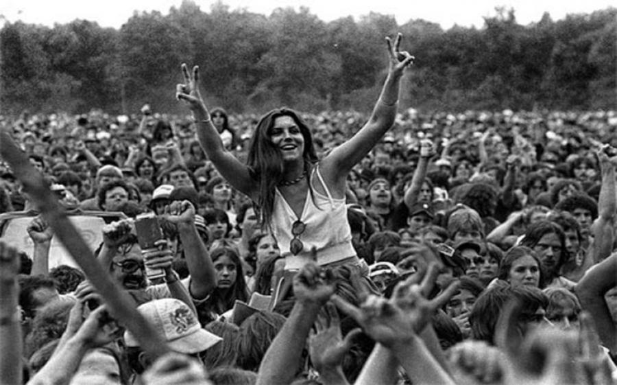 """Eles presenta la sua nuova capsule collection """"Gipsy"""", ispirata allo stile rock bohémien di Woodstock"""