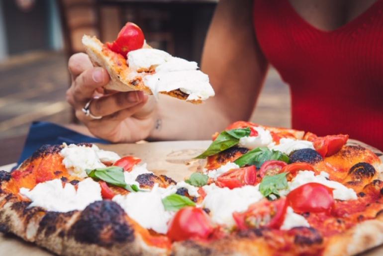 """Straforno: il successo romano de """"Pizza Romana alla Brace"""" della famiglia Pavani"""