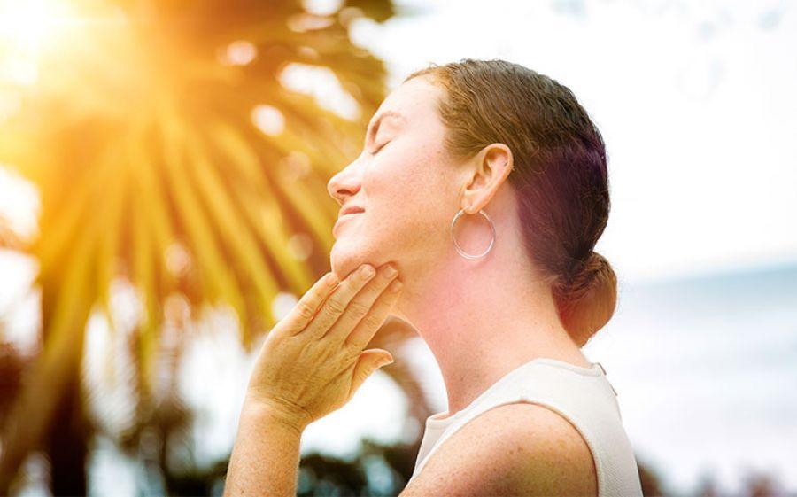 Protezione Pelle: i solari che rendono giovani a lungo e proteggono dai raggi uv dannosi