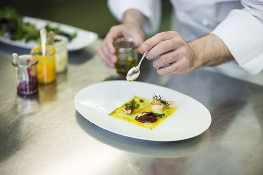 Settimane delle erbe selvatiche con lo chef Matteo Contiero