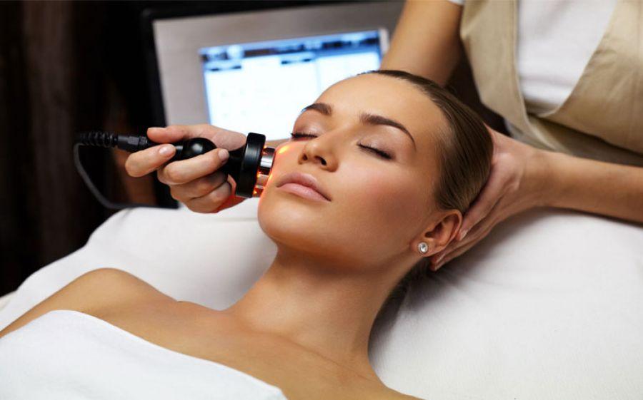 Radiofrequenza: il trattamento anti età senza ricorrere al bisturi