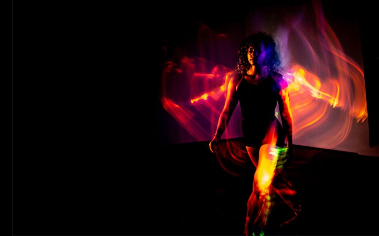 Nico Abbruzzese esplora il Movimento nella sua prima mostra fotografica