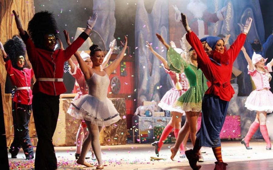 Lo Spettacolo di Natale, al Manzoni le feste si passano in famiglia