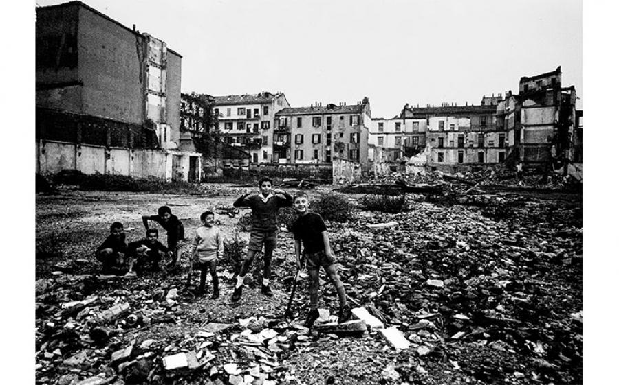 Valentino Bassanini - Zona Isola - Bimbi in discarica - Anni '60