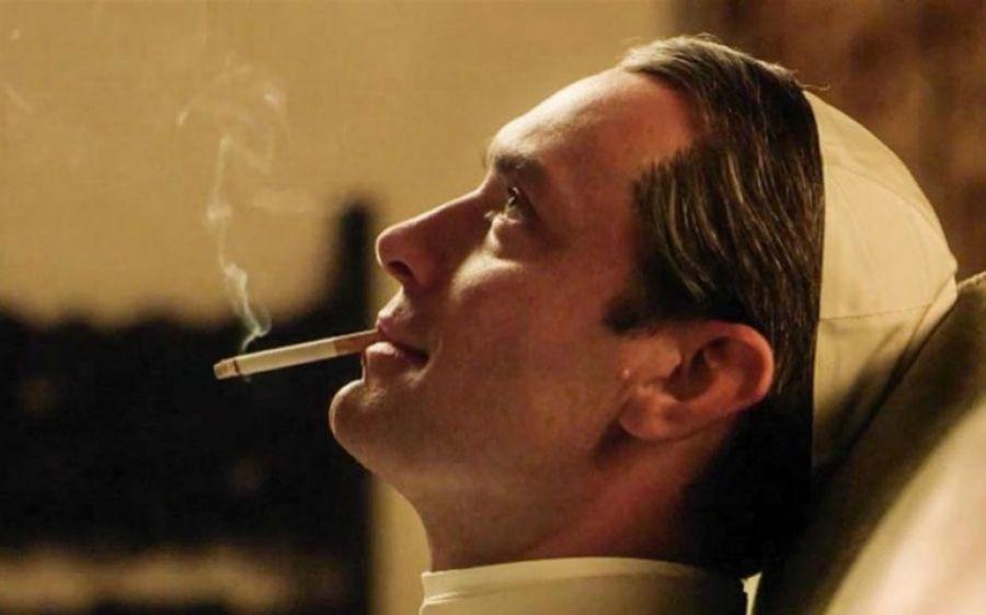 Jude Law nel ruolo di papa Lenny