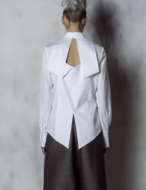 La camicia bianca. Una nuova contemporaneità.