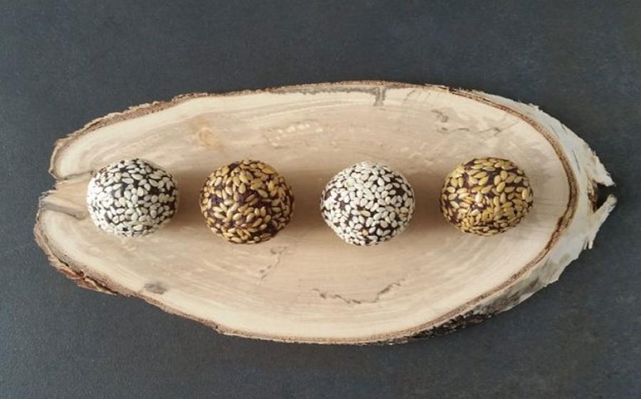 Un nuova ricetta di Bettinaincucina: Bonbon alla frutta secca, avocado e cioccolato fondente