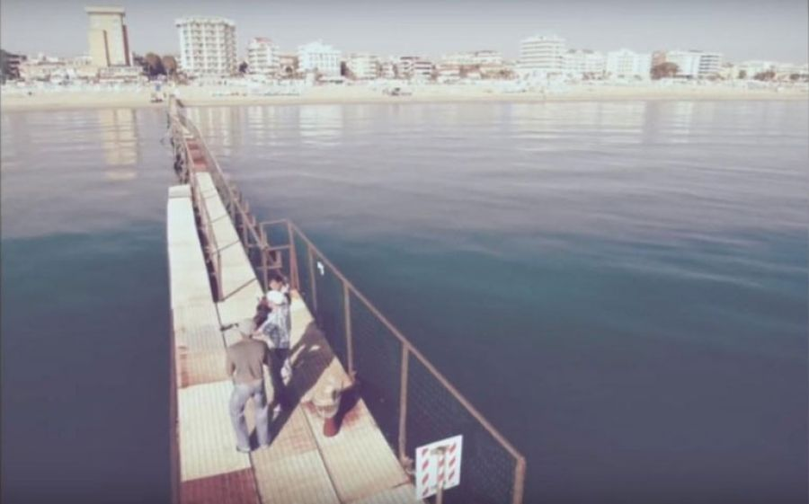 Mau Mau presentano il nuovo singolo Miramare: Il mare è come un ponte.