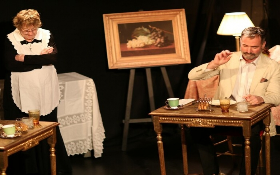 La commedia in inglese al Teatro Franco Parenti è The Wily Widow