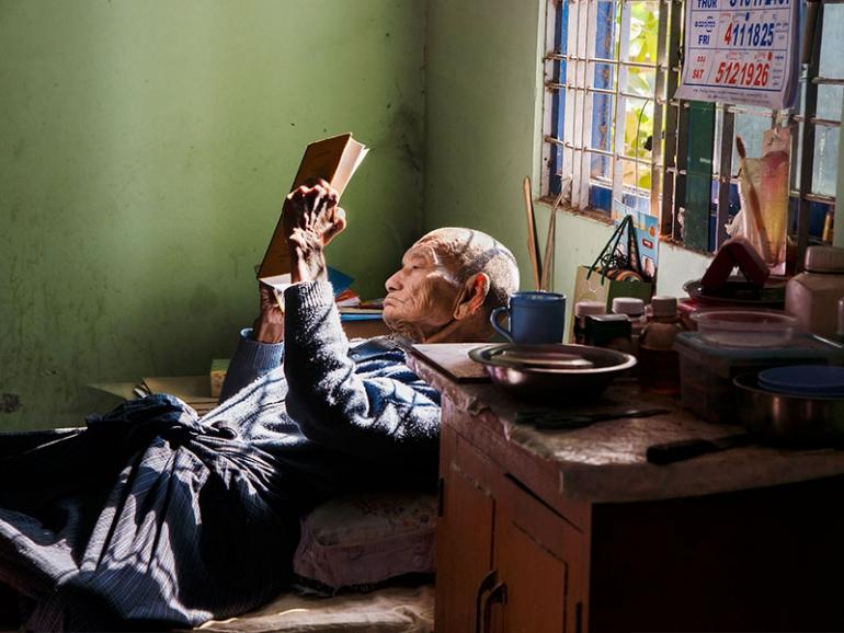 Steve McCurry a Modena con una mostra dedicata alla lettura