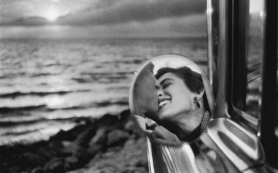 Elliott Erwitt – Icons: la mostra che celebra i novant'anni dell'iconico fotografo