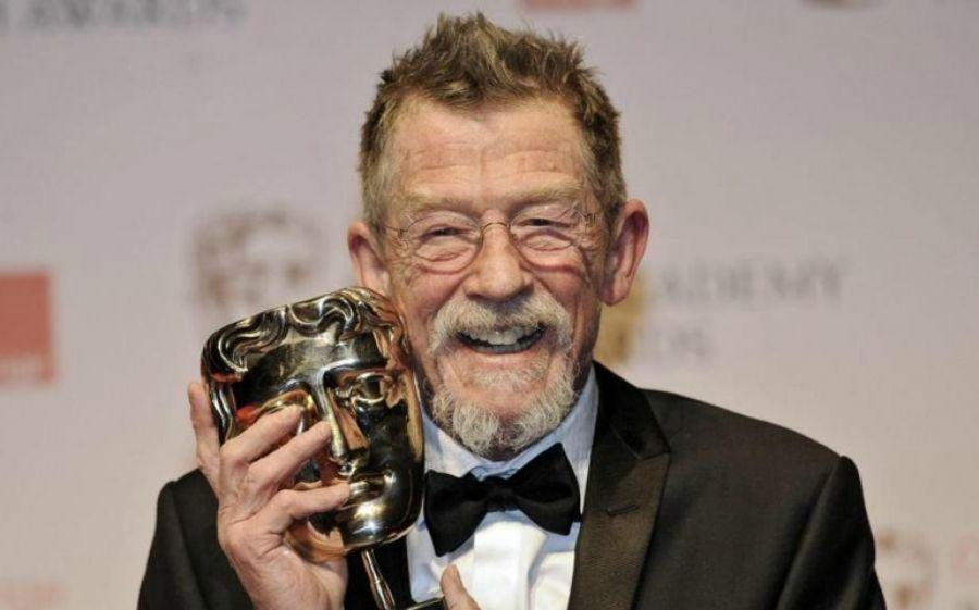 Ricordando il grande attore John Hurt nelle sue più importanti interpretazioni