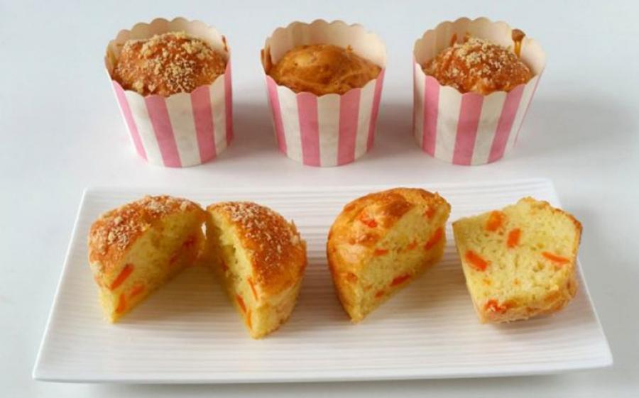 Muffins alle carote e formaggio