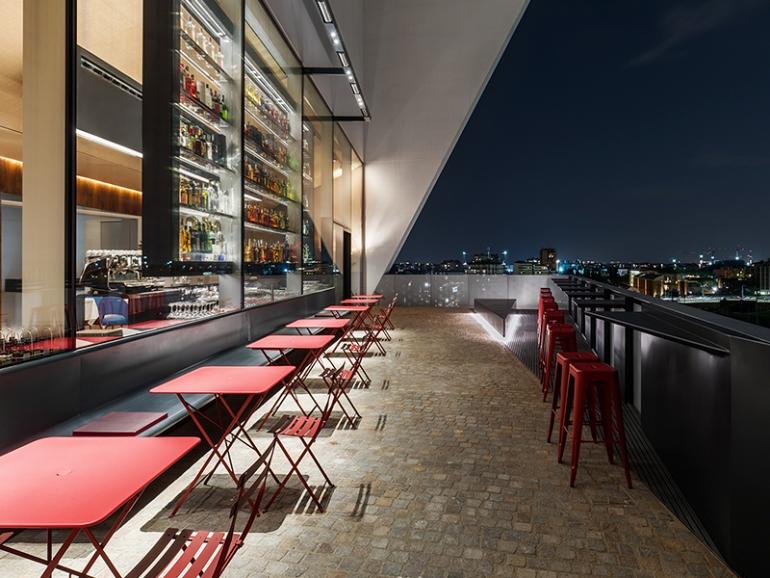 Fondazione Prada: il ristorante Torre riapre con un nuovo chef