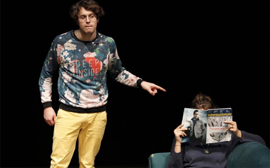 """""""Qualcosa a cui pensare"""". Al Teatro Libero una commedia ironica sull'amore"""