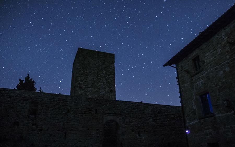 Un week-end tra le stelle e il ponte del 25 aprile: il Castello di Petroia a Perugia è pronto a regalarci emozioni.