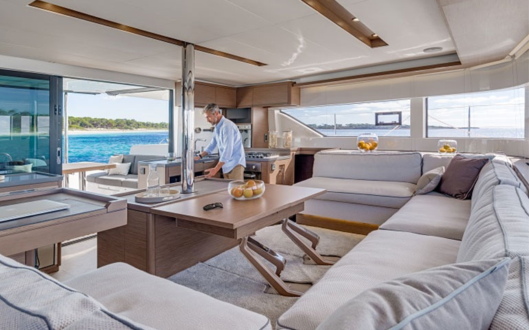 Sailuxe, nel Sud Italia Coast to Coast in barca a vela con un viaggio di lusso