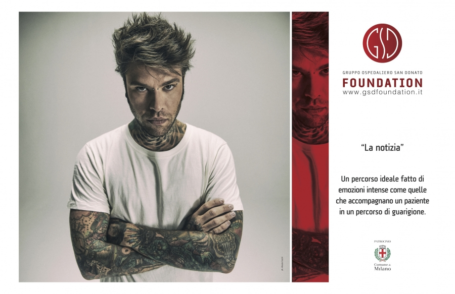 Fedez in mostra a Milano per GSD Foundation