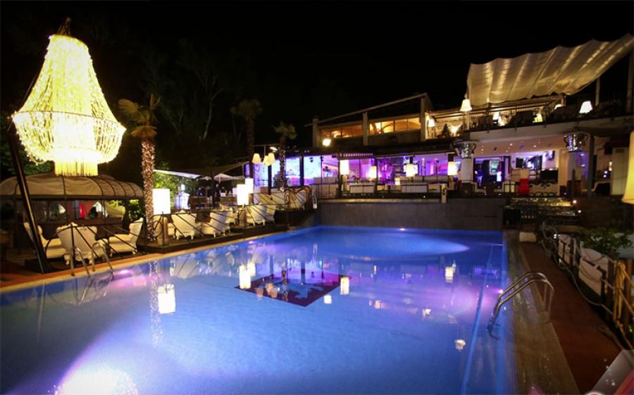 Hollywood Dance Club di Bardolino: garanzia di eleganza e divertimento