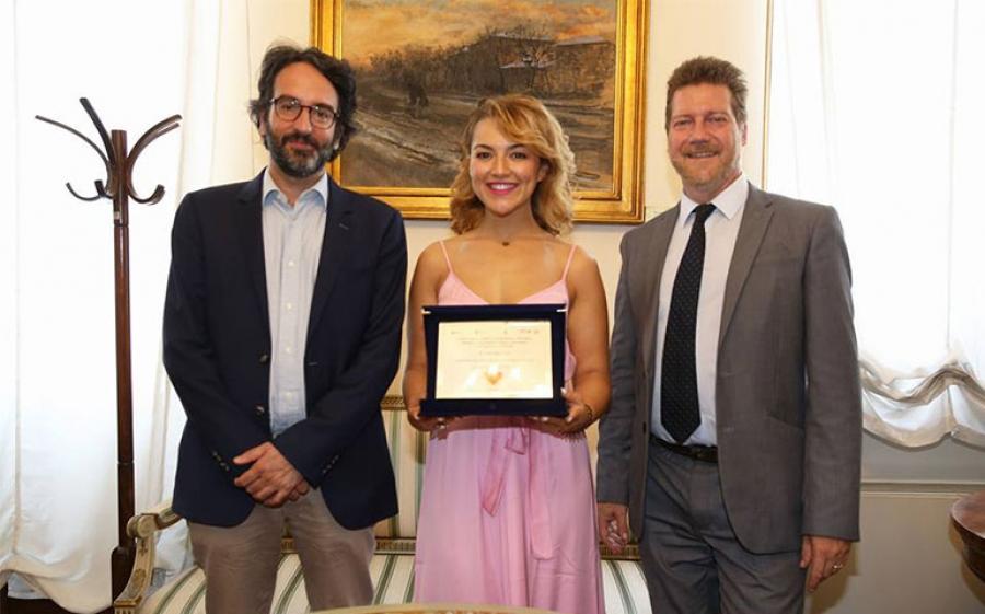 La giornalista Rajae Bezzaz premiata per il suo grande impegno nel sociale e nell'integrazione culturale