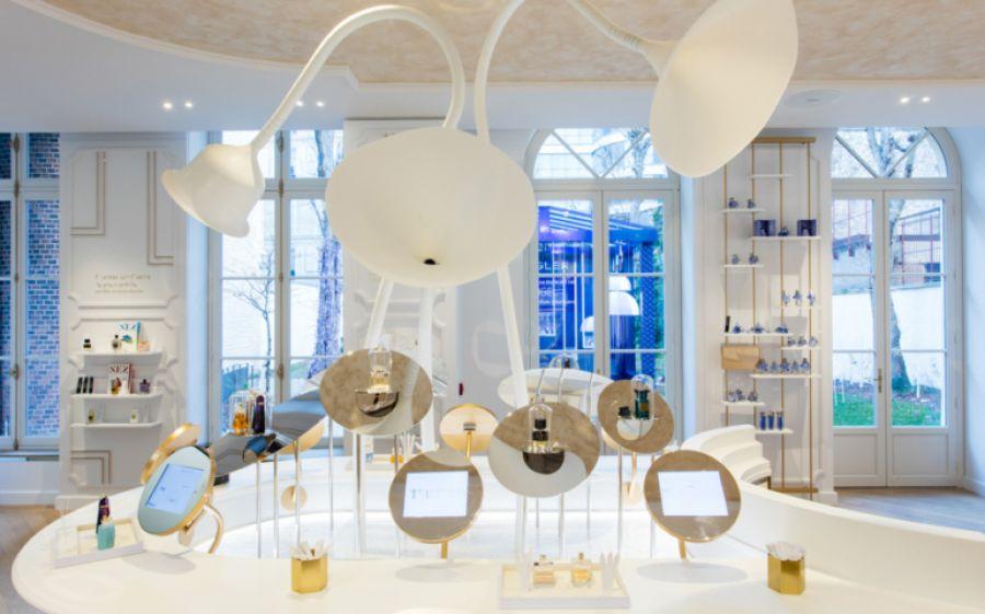 La capitale della Francia celebra odori e fragranze: inaugura il Grand Musée du Parfum