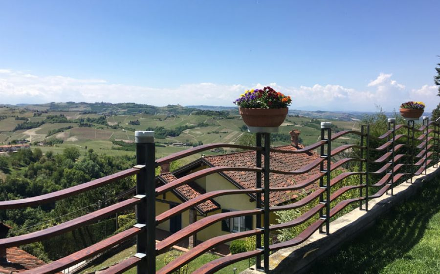 A tavola nelle Langhe, tra grandi vini, tartufi e panorami mozzafiato