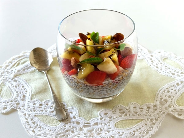 Chia Pudding con kiwi, fragole e banana|||