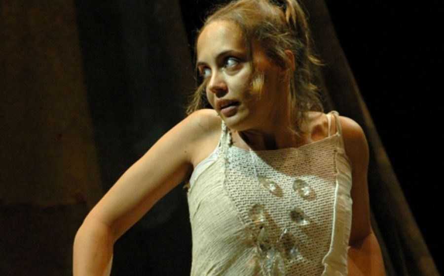 Al Teatro Litta di Milano arrivano le Dame Oscure (una storia gotica) di e con Debora Virello
