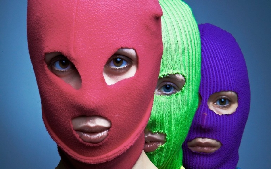 Femministe contro Putin: il punk delle Pussy Riot arriva in Italia