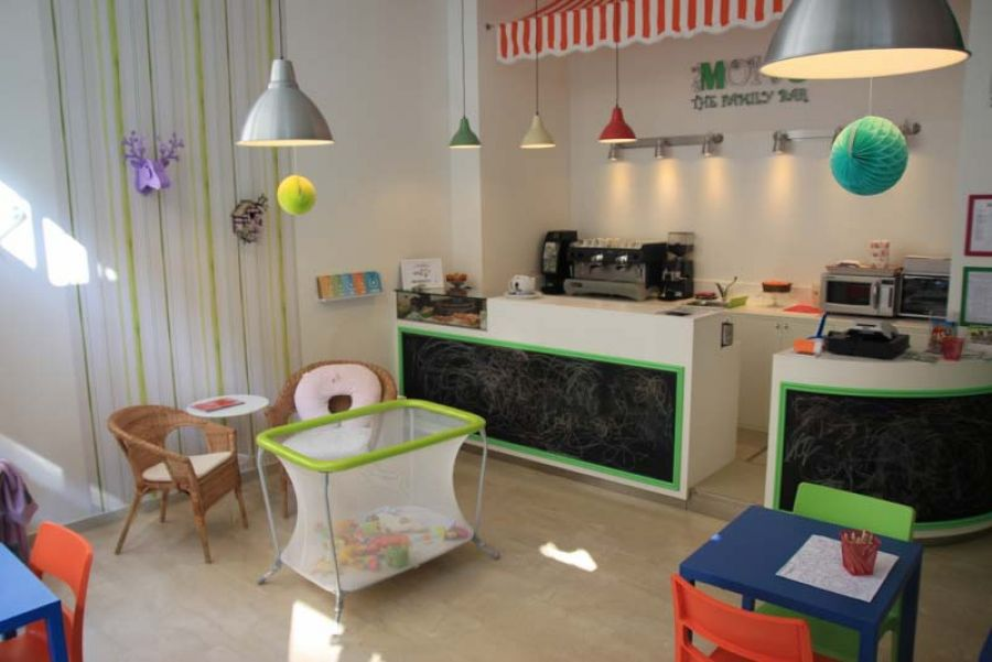 "MOM'S: il primo ""family bar"" milanese"