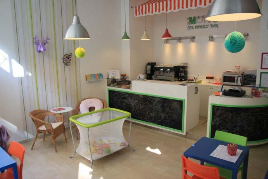 "MOM'S: il primo ""family bar"" milanese"