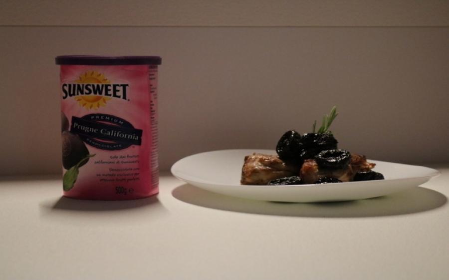 Sperimentare in cucina con la prugna incompresa: Filetto di maiale avvolto in pancetta con prugne Sunsweet